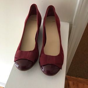 Cole Haan Burgundy wedge patent leather suede pump